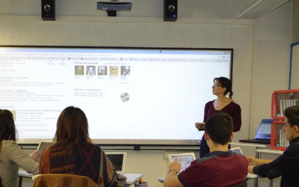 Comment créer une salle interactive sur mesure ?